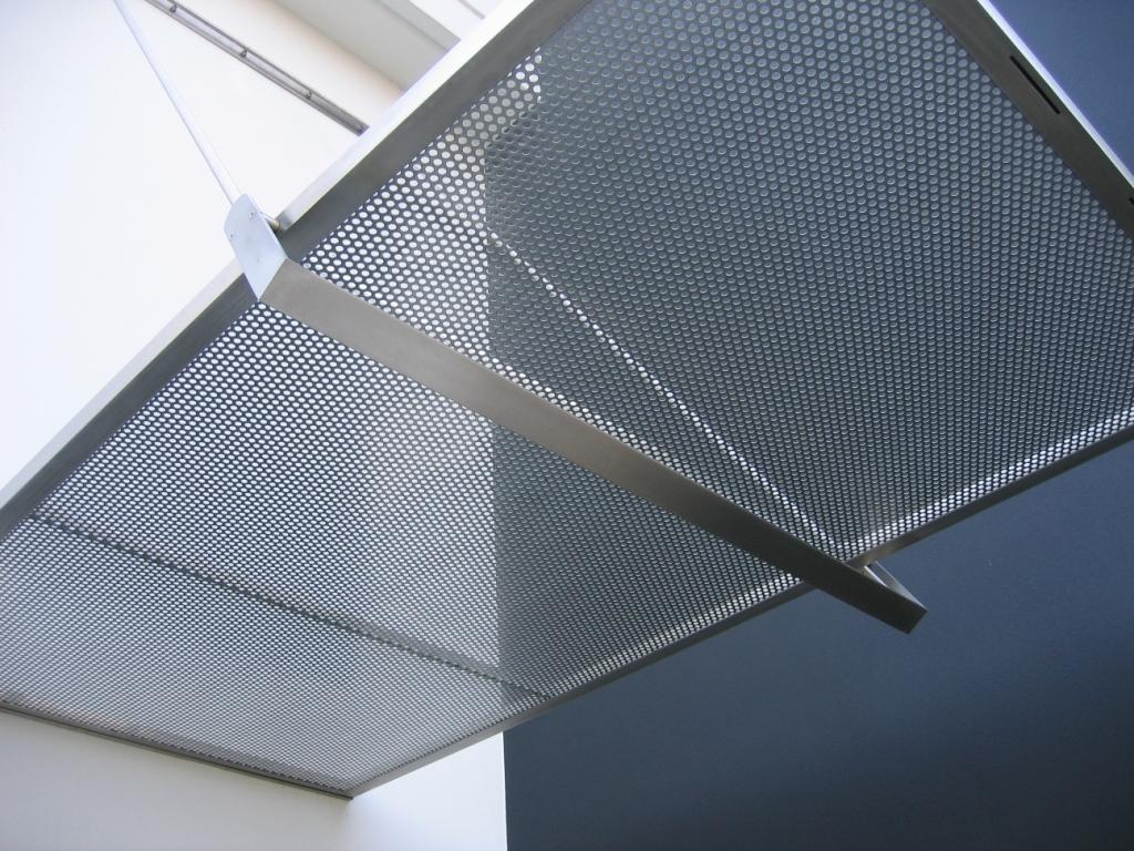 Famoso Tettoia in vetro stratificato con lamiera forata, abitazione  HM31